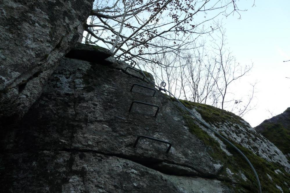 Un exemple de mur à désescalader au départ de la via des bois de Balthuergue