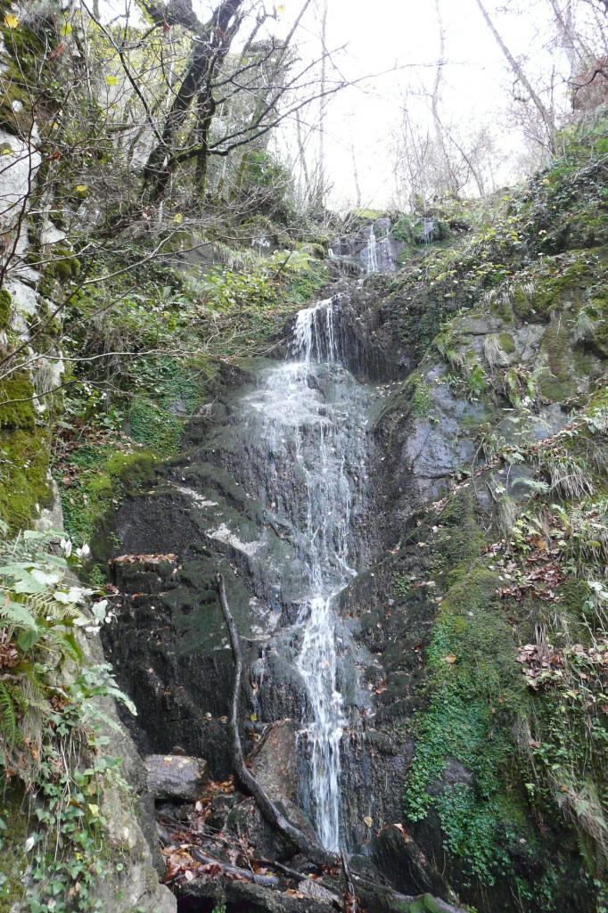 La cascade qui accompagne la première partie de la via des bois du Balthuergue