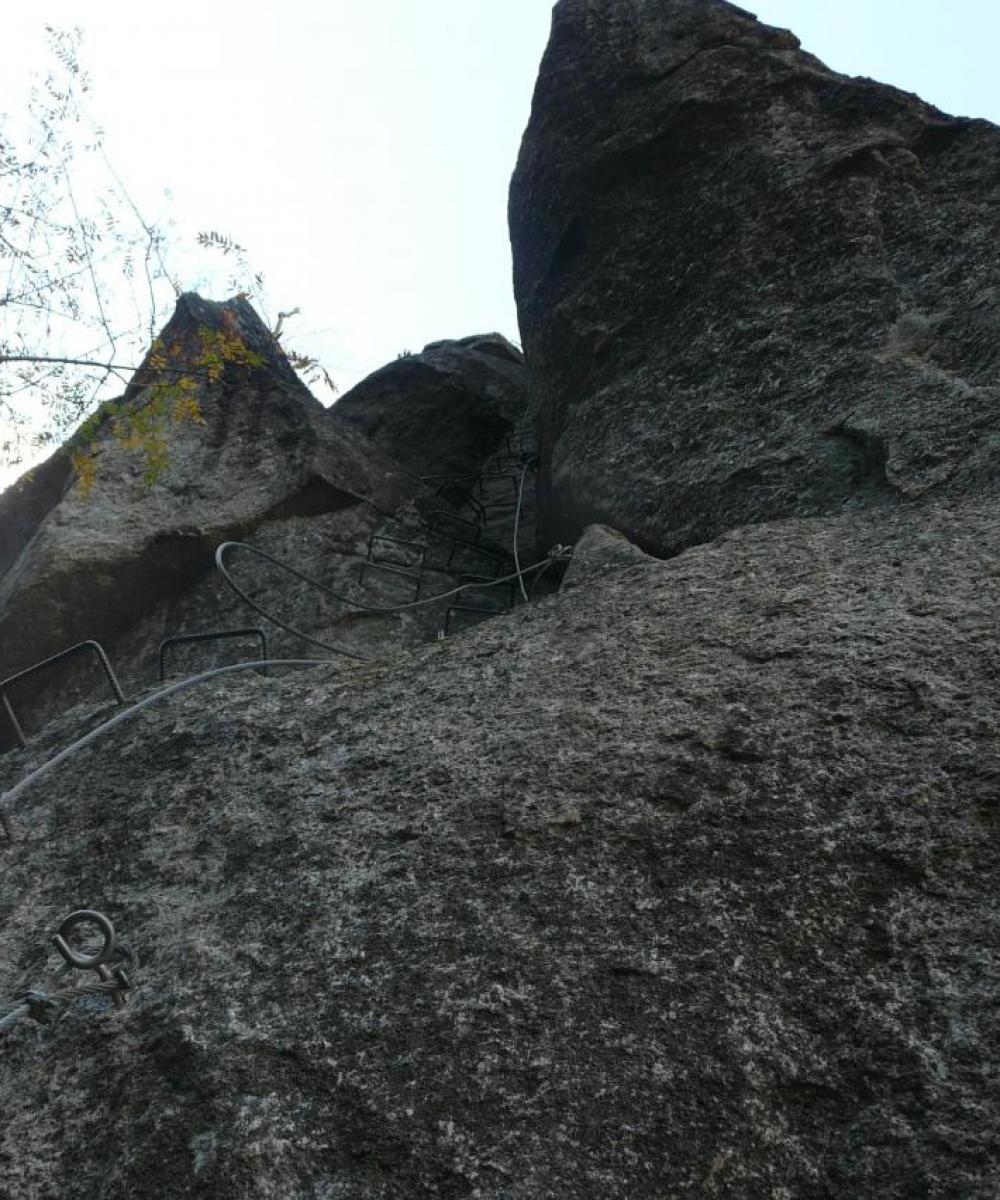 Le dièdre du vautour (via des bois du Balthuergue)