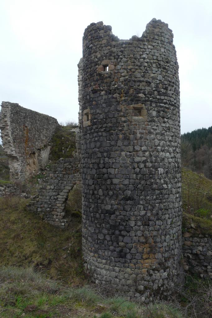 ruine du 11°/12° siècle