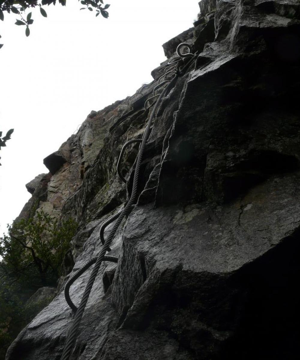 Via de Thueyts - début du mur de sortie