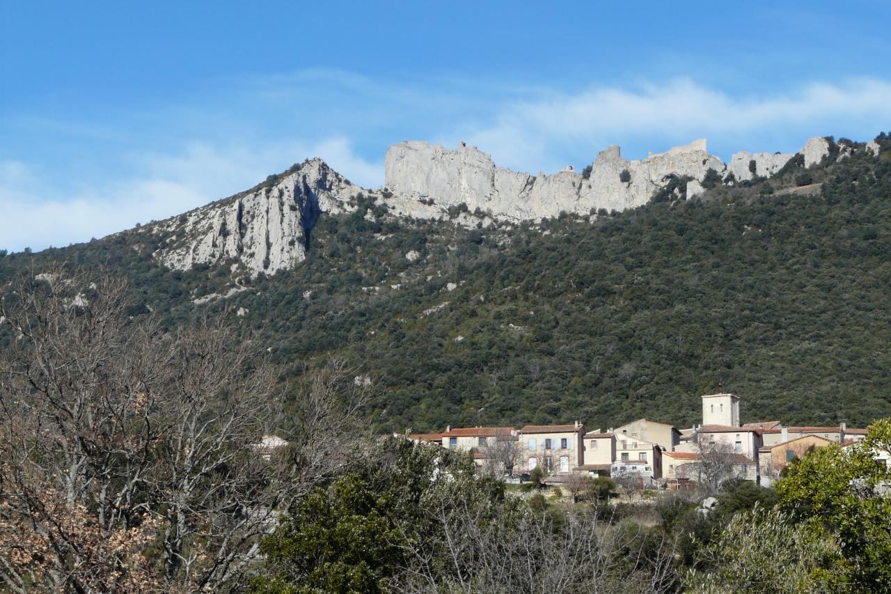 Duilhac et le chateau de Peyrpertuse