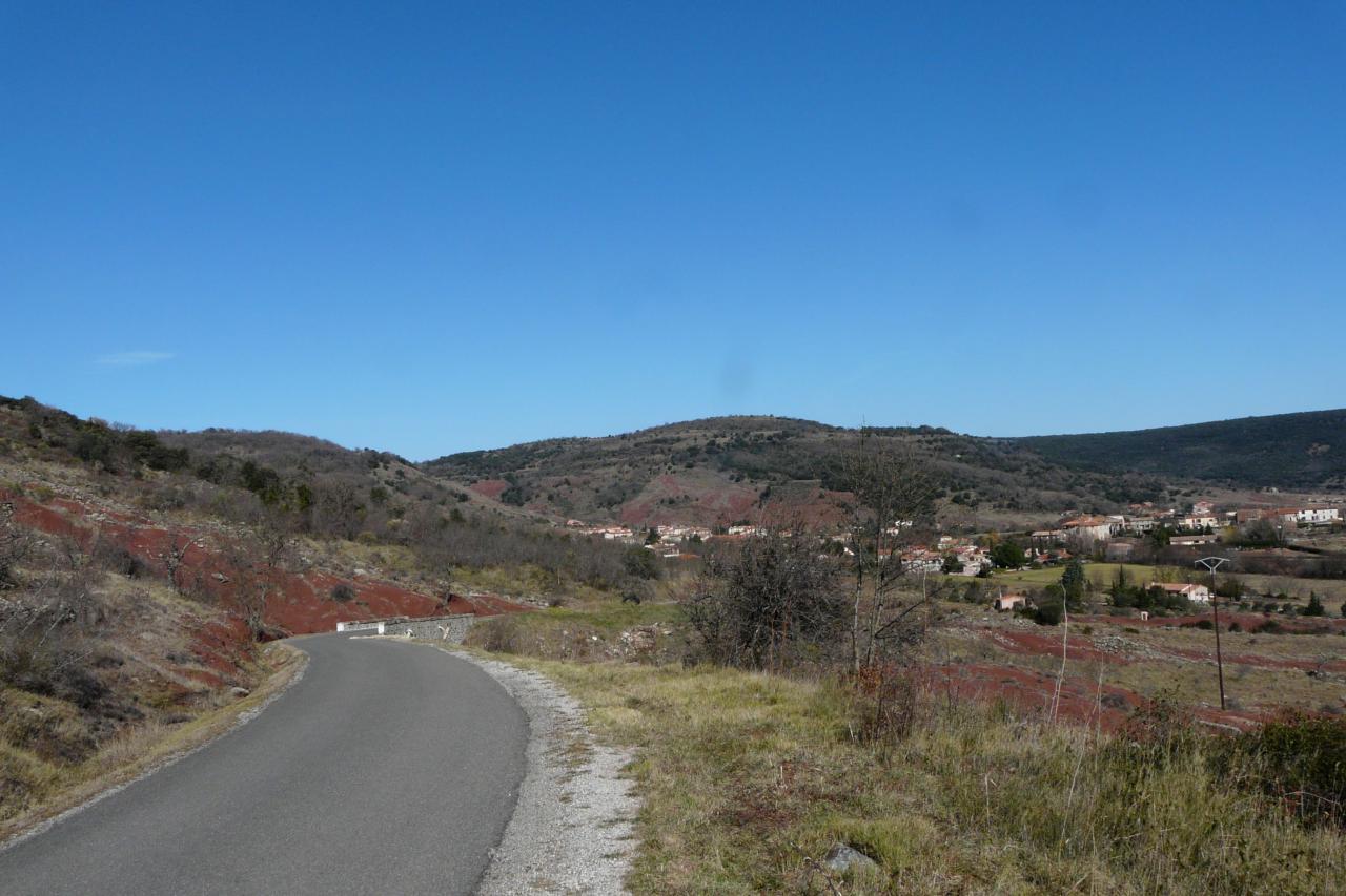 la montée vers Brenas, en vas Octon (lac du Salagou)