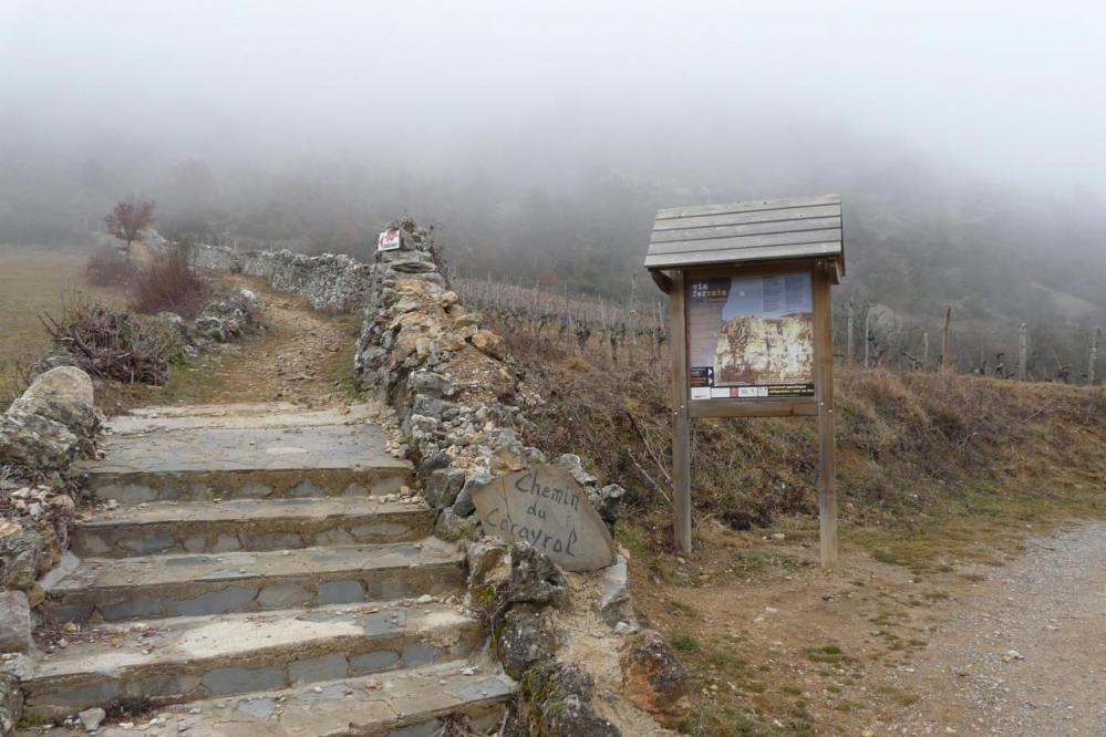 panneau d' info au départ du sentier menant à la via
