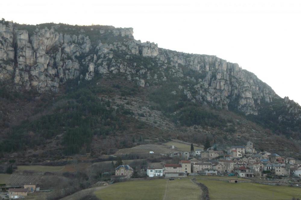 Liaucous et les rochers de la via ferrata