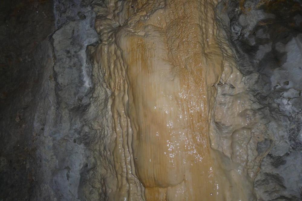 concrétions dans les tunnels de Chabarote