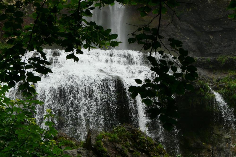 le bas du bassin de la cascade de la Charabotte
