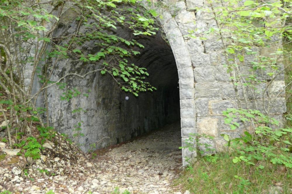 Tunnel après le hameau de Charabotte vers Tenay