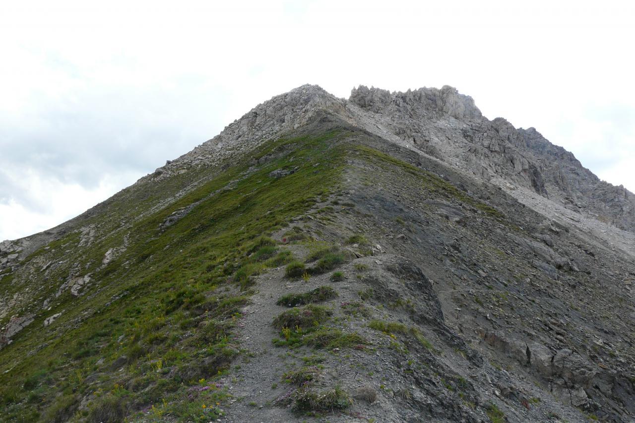 la montée au sommet de la pointe de Charra