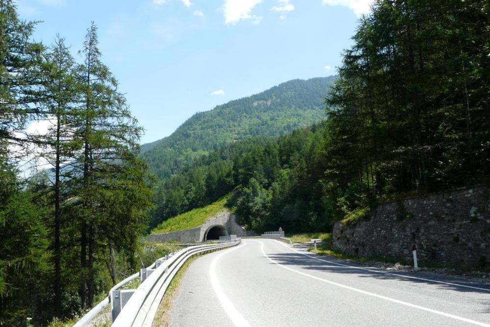 le premier tunnel dans la montée vers Clavières