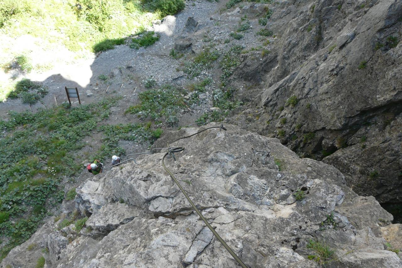 départ de la via rocca Clari à Clavières vue du haut