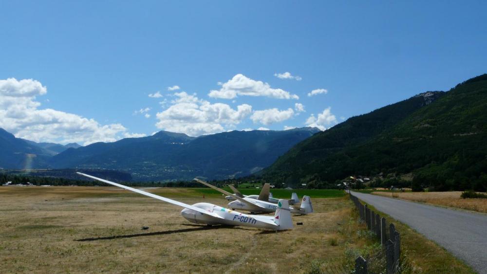 l' aérodrome de St Crépin-Mont Dauphin