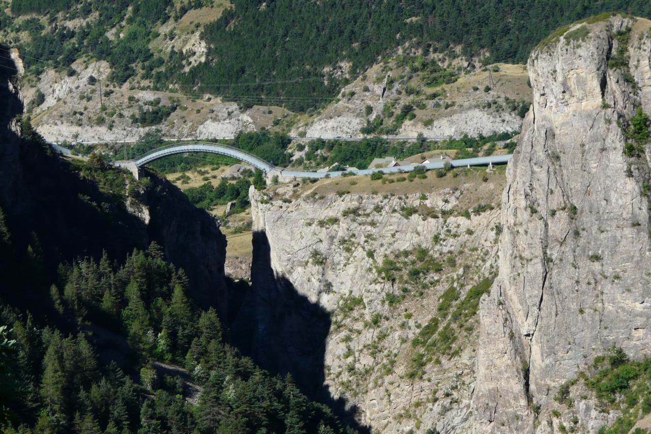 les gorges de la Durance vues depuis la route de Briançon