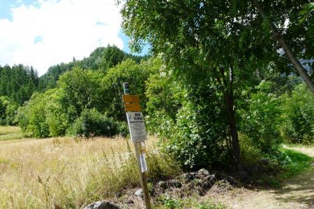 panneau bord de route via de Puy St Vincent