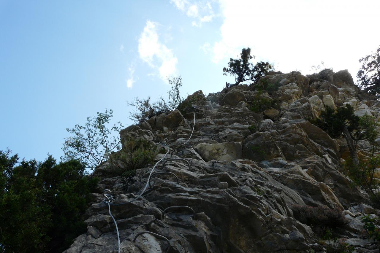 la via se continue touours dans du rocher improbable ! ?