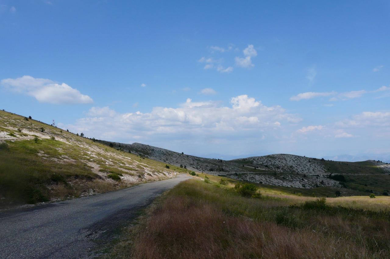 le paysage lunaire de la montagne de Lure