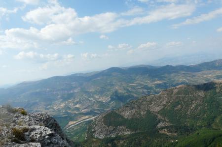 Vue sur la vallée (montagne de Lure)