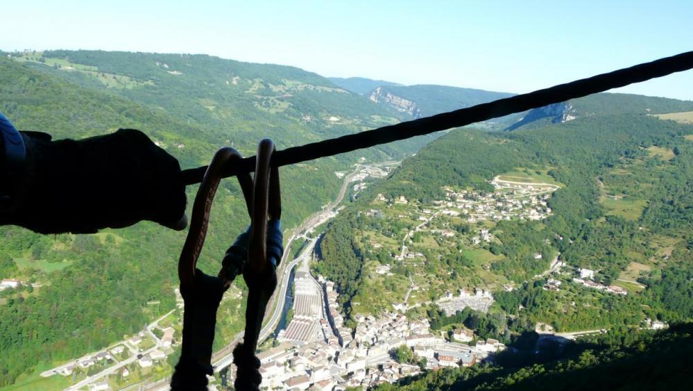 Belle ambiance au dessus de la vallée de l' Albarine et de tenay !