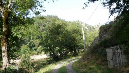 le chemin d' accès via de Malzieu