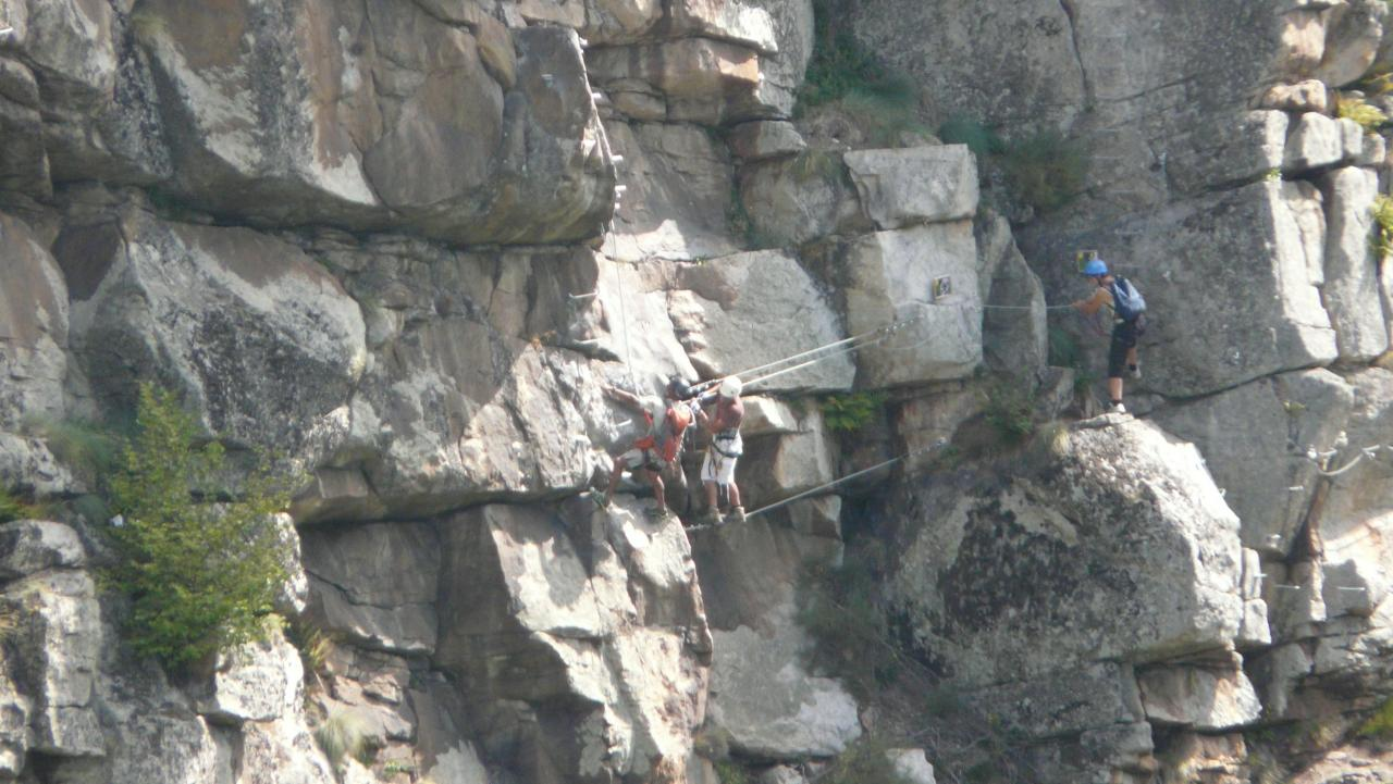 Vue depuis les rochers opposés à la via ferrata de Malzieu
