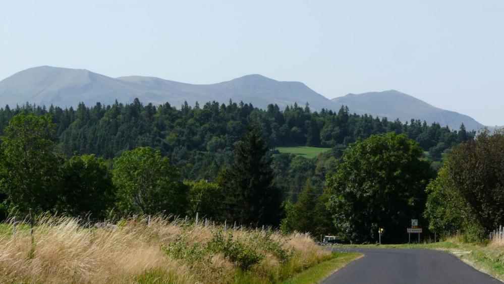 la route vers le Mont Dore
