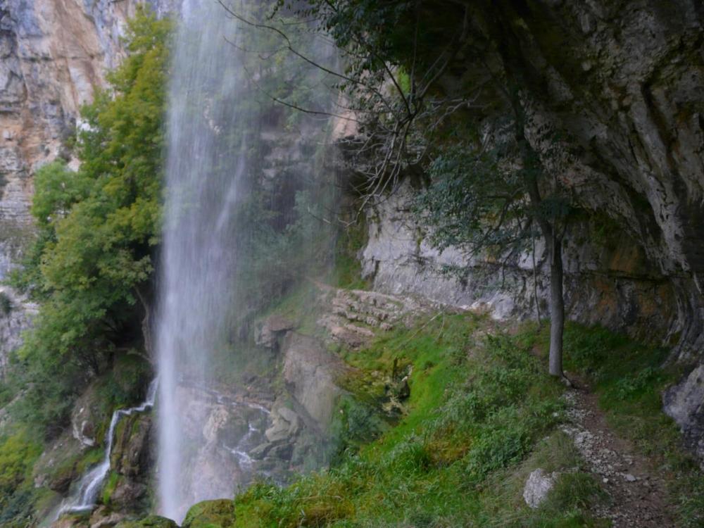 sous la cascade (première chute) de Charabotte