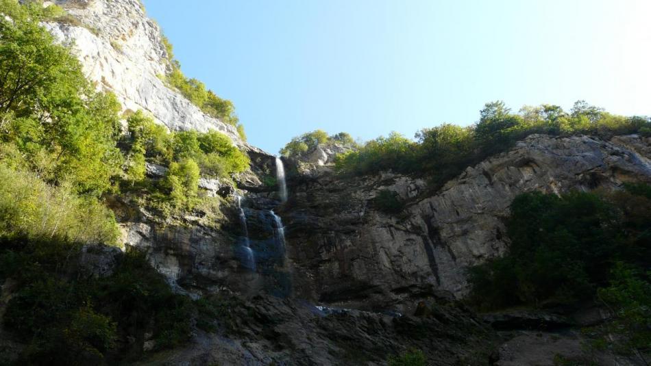 le site de la cascade de Charabotte ence mois de' ooctobre ... un peu à sec !