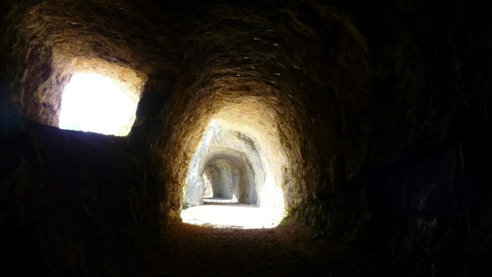 belle perspective avec la suite des tunnels de Charabotte