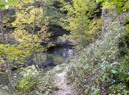 Arrivée à la grotte du Brudour