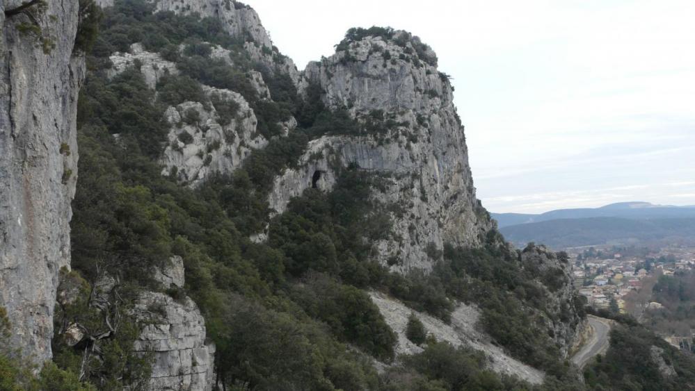 vue sur la baume du Tigre depuis la tyrolienne