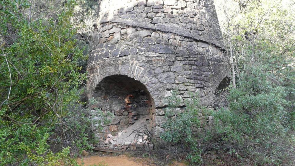 vestiges deus deux fours (ancienne mine de fer) (Ganges/Sumène)