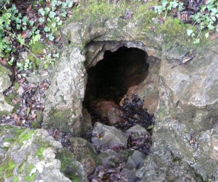 entrée de la grotte des deux fours (Ganges)