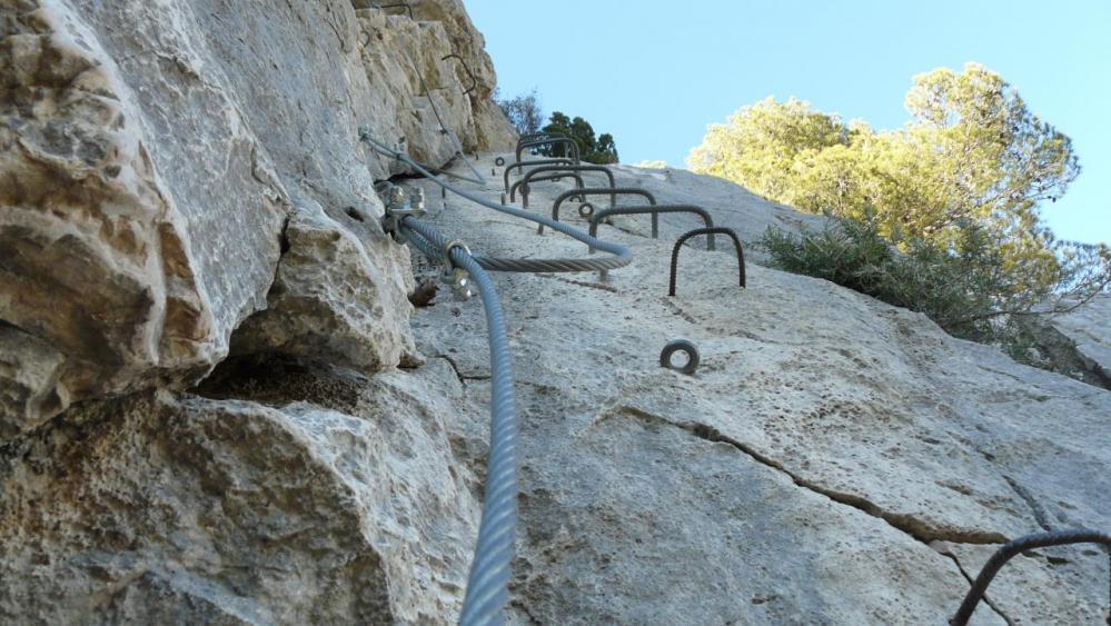 belle verticale à grimper à la via du Gardon