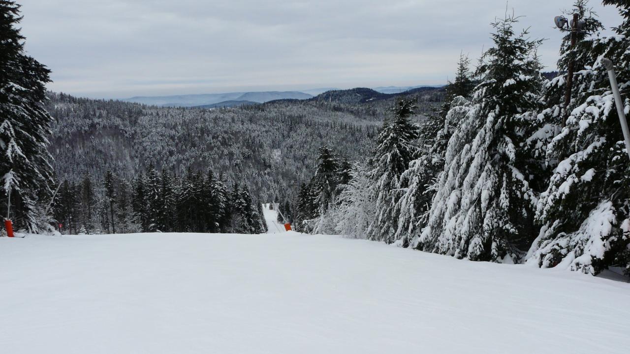 Ski de piste la station du lac blanc col du bohnomme for Piste de ski interieur