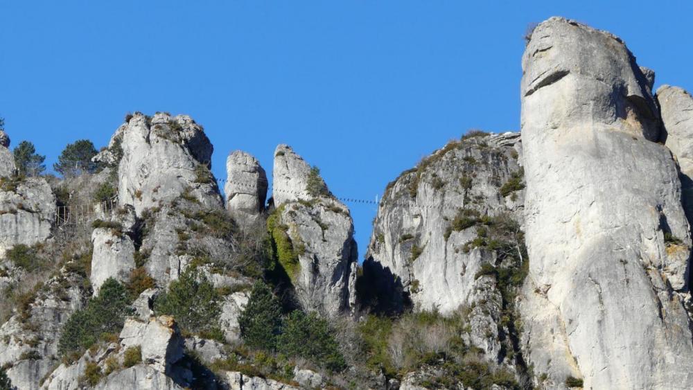 le site de la via ferrata de Florac vue depuis le bas