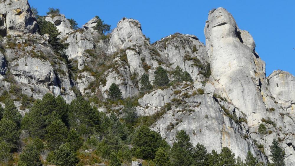 le site de la via ferrata de Florac vu depuis le bas