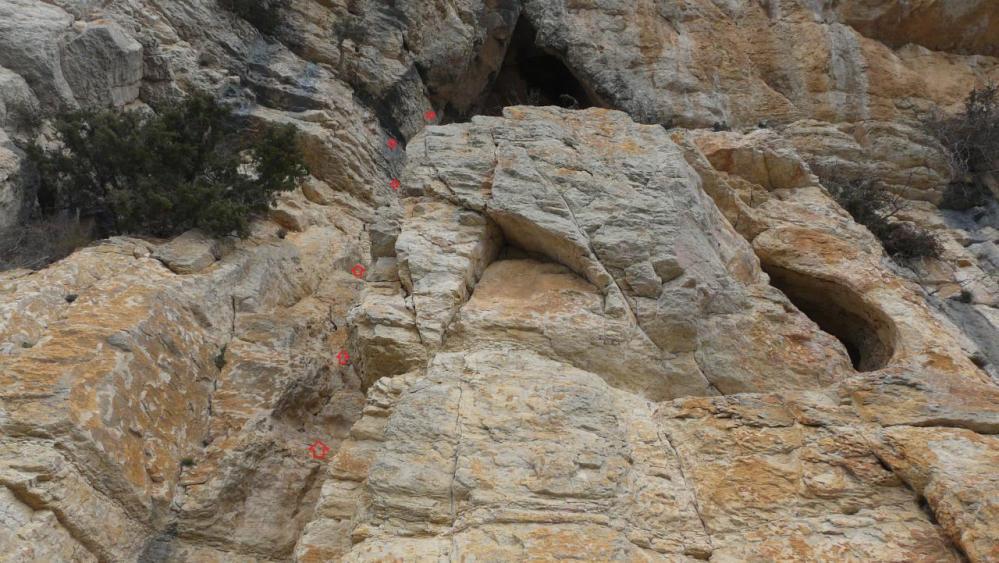 grotte porche inconnue, petite escalade aérienne