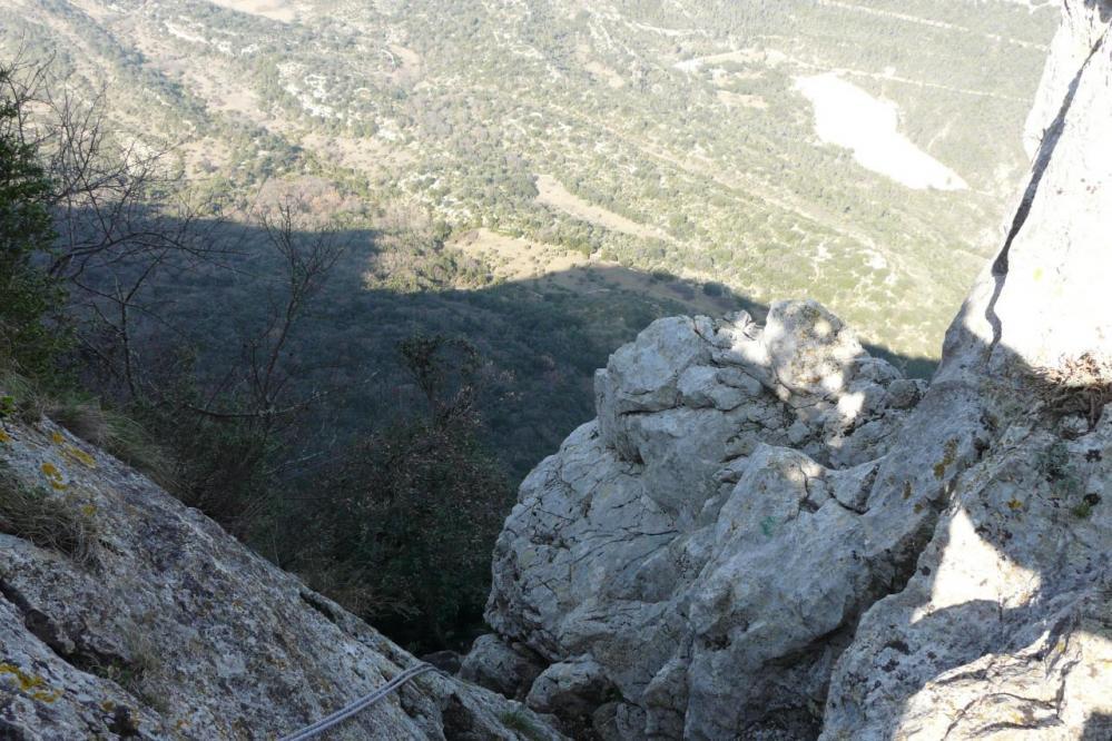 Pic St Loup, départ de la diagonale dans le sens de la descente