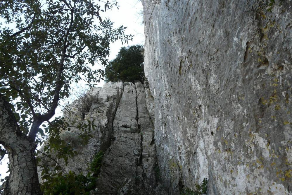 la remontée de l' avant dernier ressaut dans la haut de la diagonale au pic st Loup