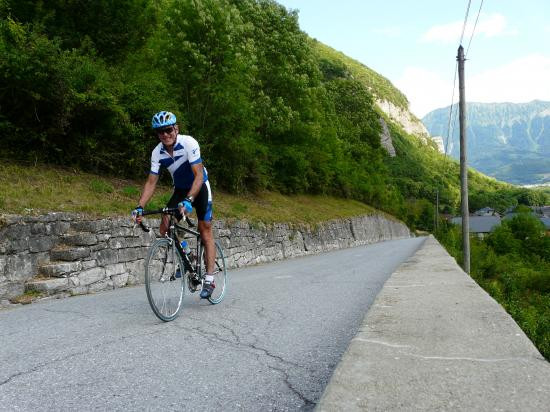 Montée à vélo du col de la Forclaz