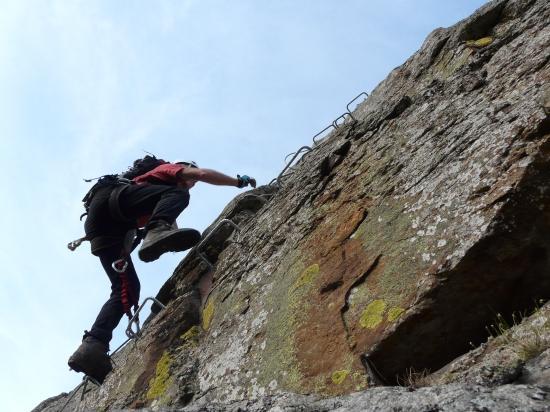 bel envol dans les rochers de la Miramande !