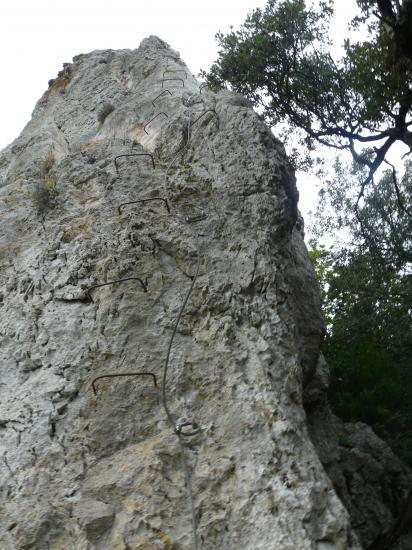 Un des monolites du site de Méjannes le Clap (hérault)