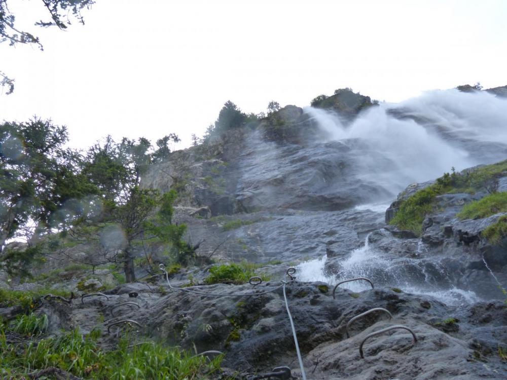 le départ de la via ferrata de la cascade (la Fare - Vaujany)