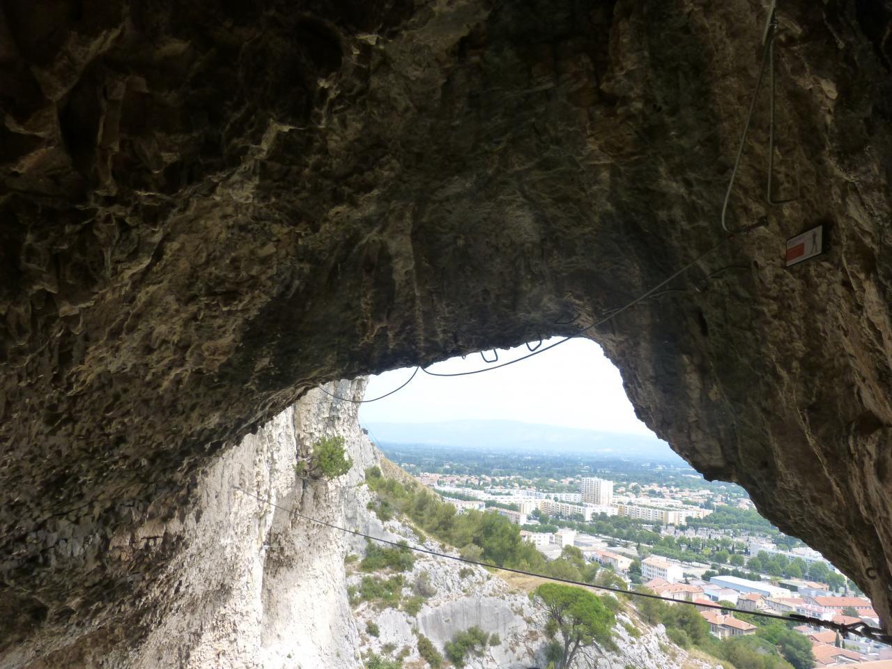 autre vue de la grotte des Baumes à Cavaillon