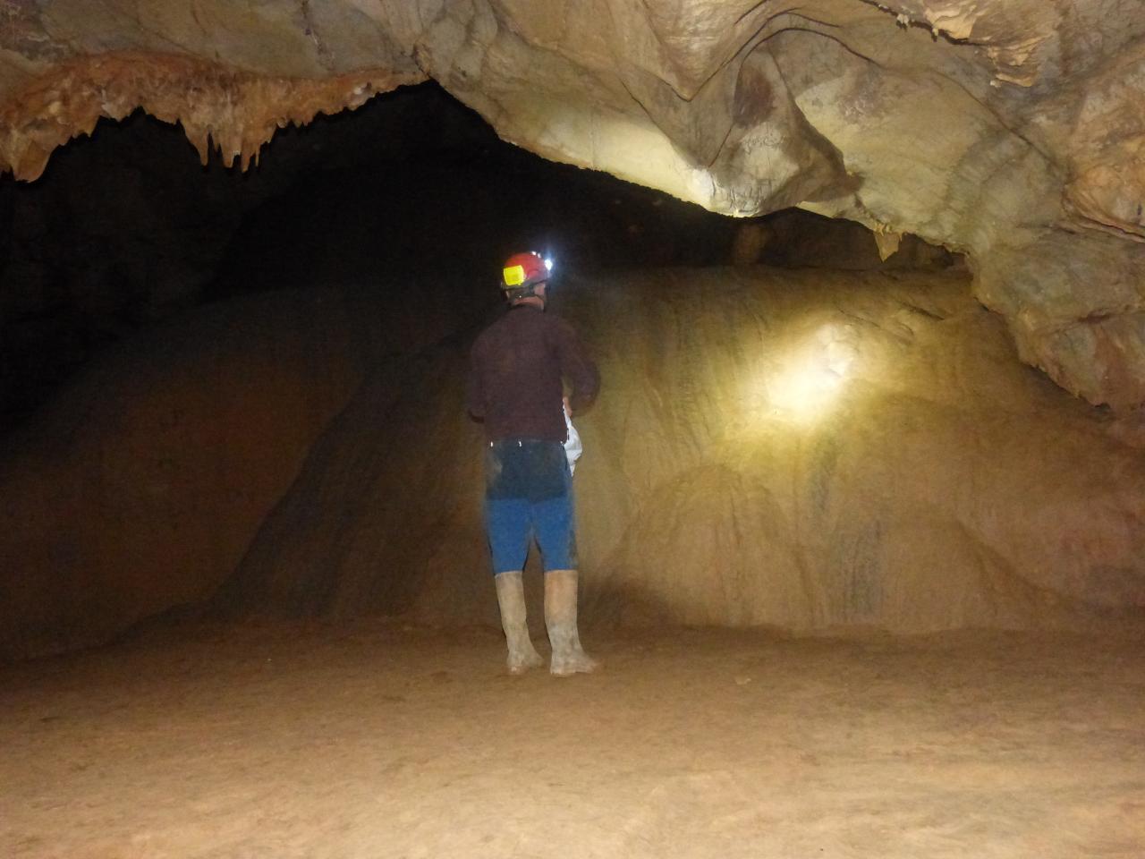 Grotte des Claris   St Hippolyte du Fort  (Gard)