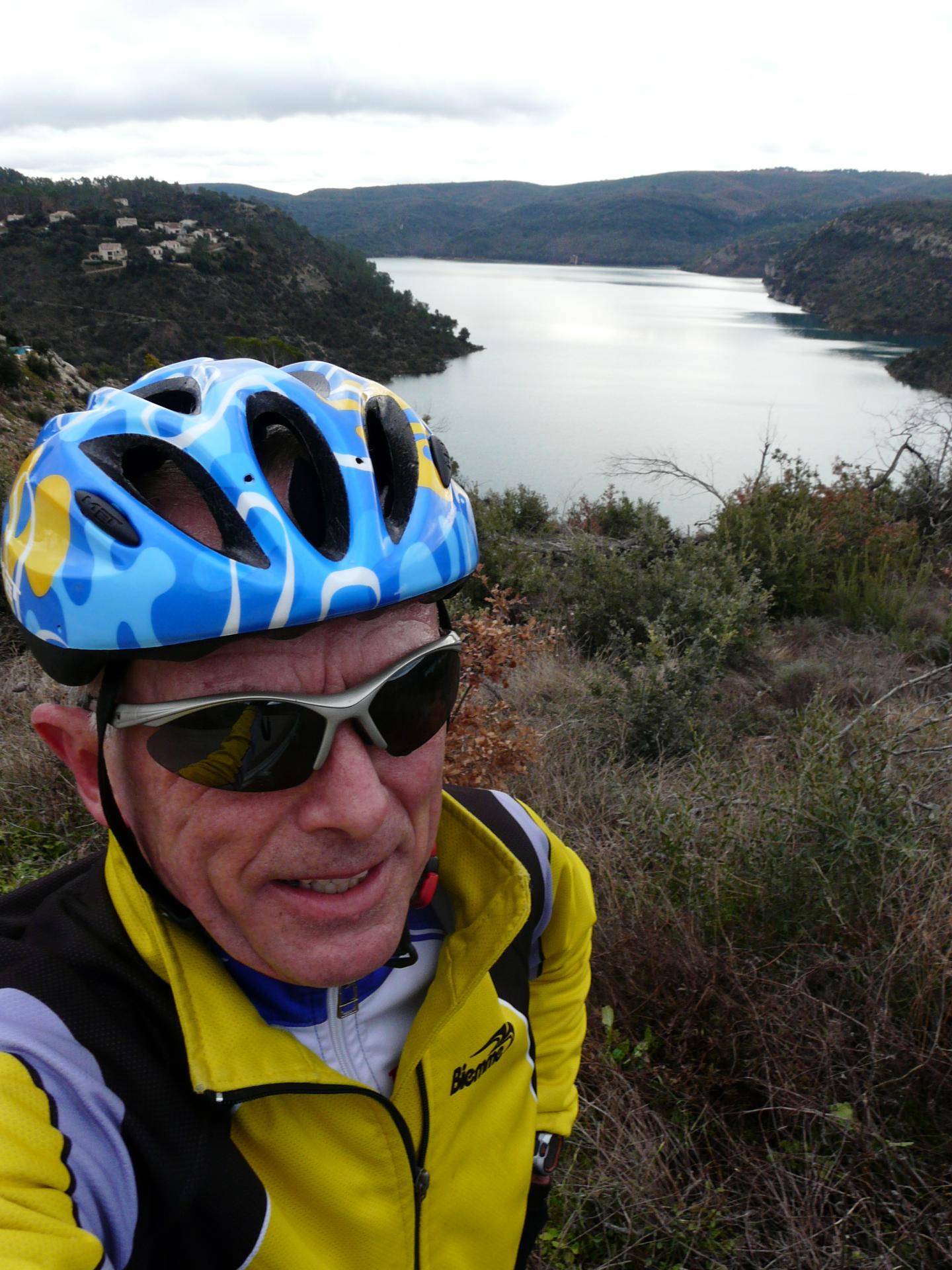Au dessus du lac d' Esparon