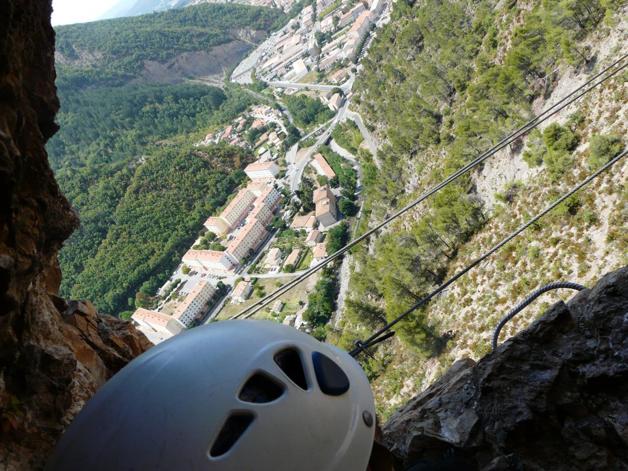via du rocher de  Heures à Digne
