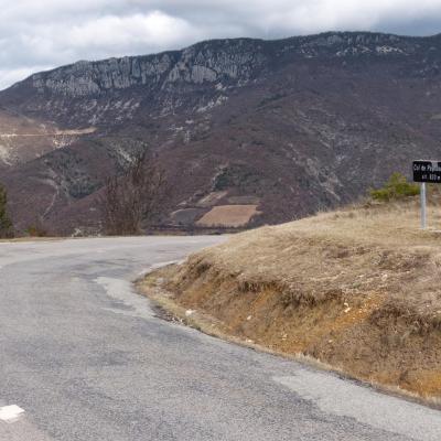 Sommet du col et vallée de l' Ennuye de l' autre côté