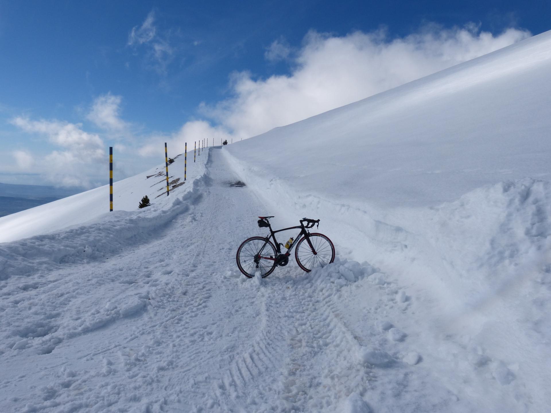 Pied à terre ...neige ! (Ventoux à vélo !)