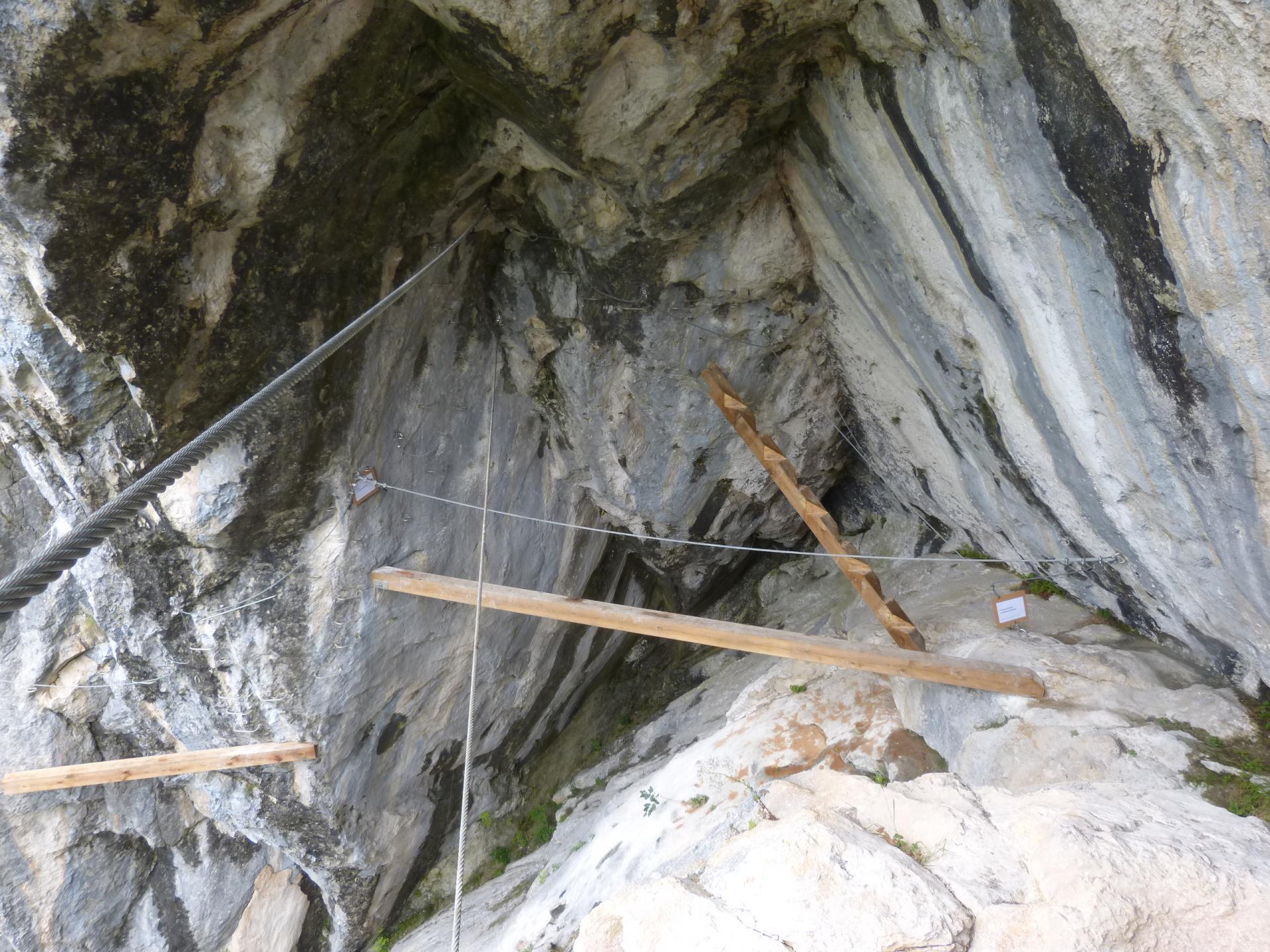 Via ferrata de la grotte de Cristal à Bellevaux